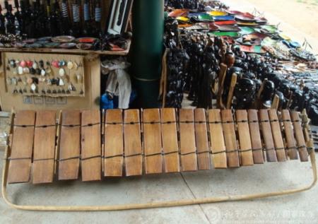 莫桑到处可见的乐器timbila