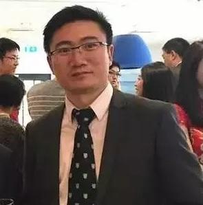 徐军华博士。