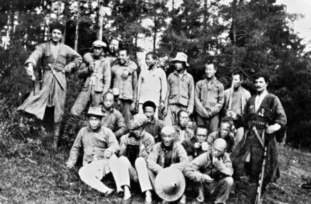 在芬兰的中国伐木工,摄于1916年。(图片来自 Vantaan kaupunginmuseo)