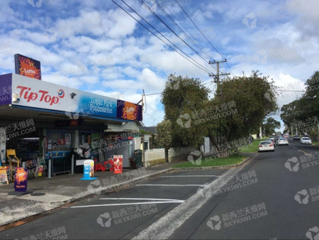 Tawa Rd上的便利店。(新西兰天维网)