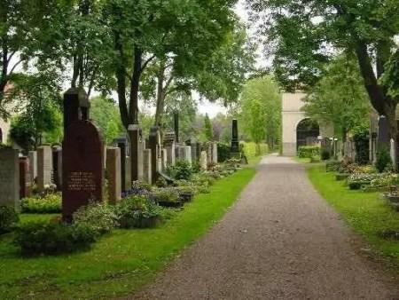 肃穆、安详的波恩城北墓园