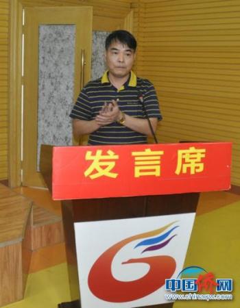 图为广西―东盟经开区管委会副主任黄焕介绍情况。林浩 摄
