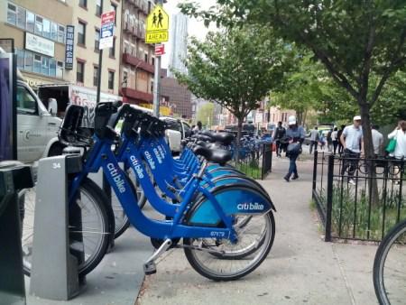 环保健康锻炼身体 美国华人谈使用共享单车感