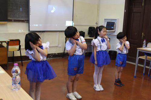 中华学校小朋友们精彩的表演