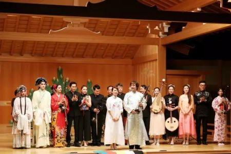 张滨二胡乐团与江苏省艺术家代表团联袂演出