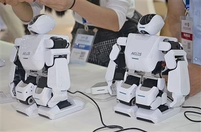 第二届侨交会上展示的科技新产品。