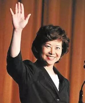 美国运输部长赵小兰,美国内阁中首位亚裔女性,也是第一位华裔部长。(图片来源:新华华人)