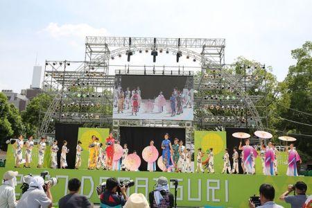 中华巾帼出场为日本最大的舞蹈盛典增添了一抹絢丽的色彩