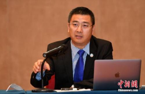 9月10日,非洲华文传媒集团、环球广域传媒集团总裁南庚戌发表演讲。<a target='_blank' href='http://www.chinanews.com/'>中新社</a>记者 吕明 摄