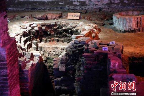图为江西进贤李渡元代烧酒作坊遗址里的明代炉灶。 刘占昆 摄