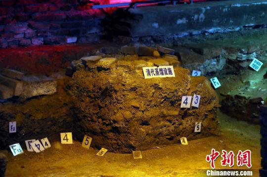 图为江西进贤李渡元代烧酒作坊遗址里的清代蒸馏设施。 刘占昆 摄