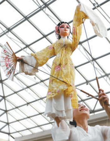 广州文化周在英国国家海事博物馆开幕 新华社发