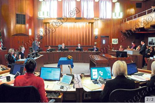 温哥华市议会讨论向华社道歉事宜。 (加拿大《星岛日报》)