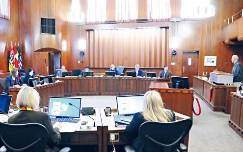 温哥华市议会决定就历史错误向华人道歉。(加拿大《星岛日报》/李群 摄)