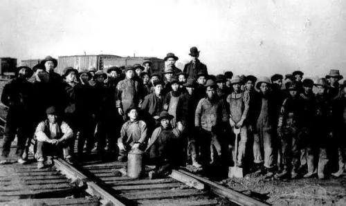 参与修筑加拿大太平洋铁路的华工。
