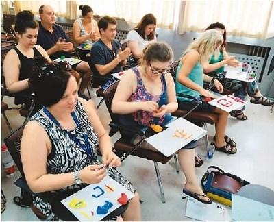 苏格兰本土汉语教师研修课程——汉字与汉字教学课堂。