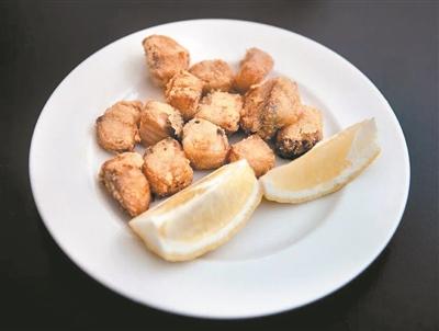 黄金炸腌酸鱼。