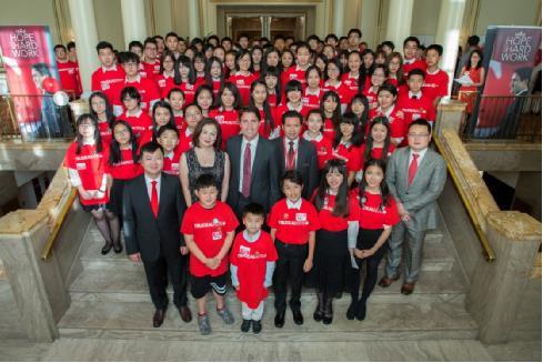 加拿大华人社团联席会组织支持加拿大联邦自由党党领特鲁多参选的千人助选活动