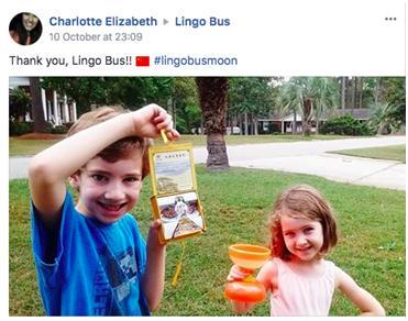 Lingo Bus小学员晒出与风筝、空竹的合影。