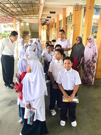 新山马塞华小目前共有537名非华裔学生,占了全校学生总数的35%。(马来西亚《星洲日报》档案照)