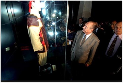 图为2006年希拉克在总统任上访问西安。