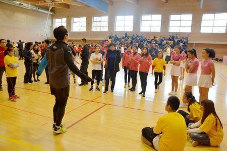 跳绳比赛 (西班牙《欧华报》)