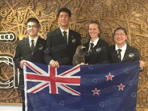 张一彬获得生物奥林匹克金牌。(新西兰天维网 / 方舟 摄)