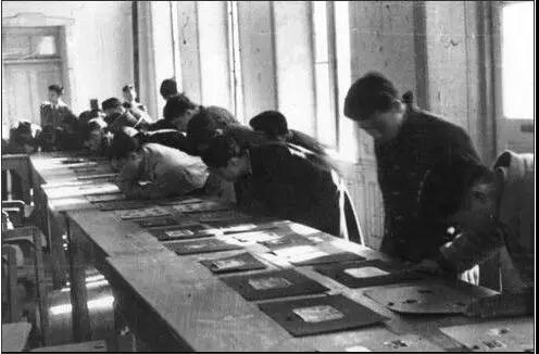 课堂上。图片来源:清华大学校史馆网站