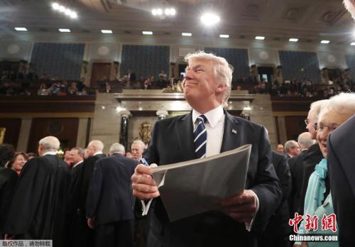 资料图:当地时间2017年2月28日,美国总统特朗普在国会发表重要政策演讲,这是特朗普就职以来的首次国会演讲。