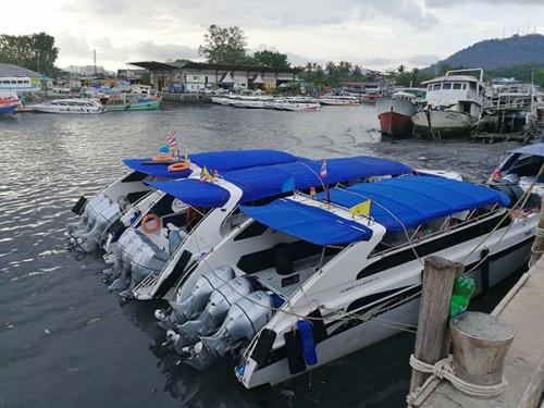 涉事码头泰府码头的快艇以及码头环境