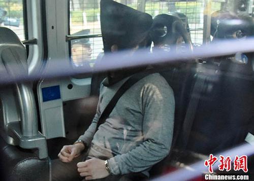 香港大埔公路一辆巴士10日发生侧翻事故,致19人死亡,30岁司机被控危险驾驶引致他人死亡罪名。 <a target='_blank' href='http://www.chinanews.com/'>中新社</a>记者 麦尚旻 摄