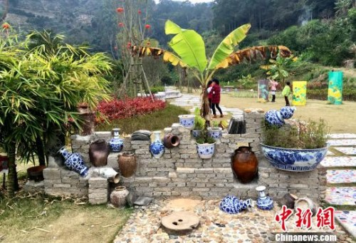 """克拉克瓷文化和""""海丝""""文化融入南胜镇田坑窑文化景区建设。 张金川 摄"""