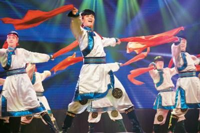 松原市满族新城戏传承保护中心演出舞蹈《祁太平》。