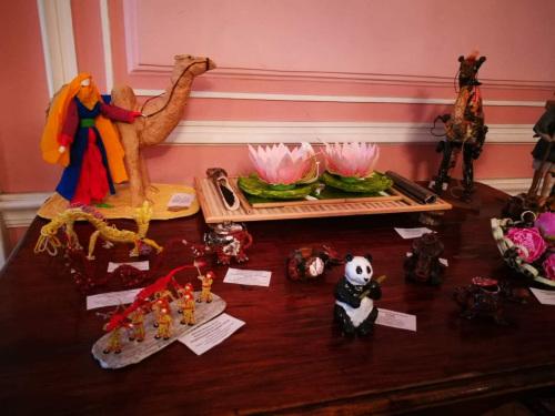 俄罗斯儿童制作的手工艺品.