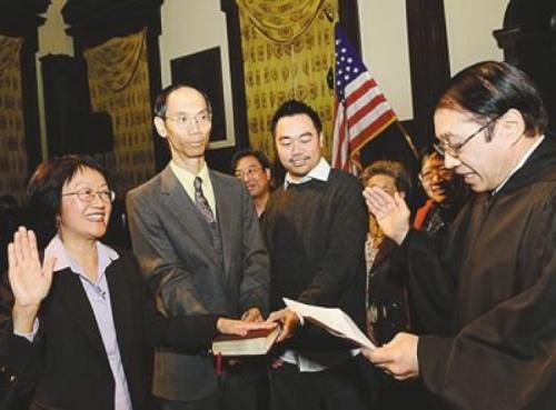 陈倩雯2009年胜选市议员,创下百年华埠华人参政史。(美国《世界日报》资料照片)