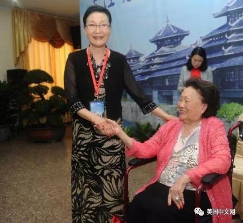 陈香梅与方李邦琴相识很久,而2015年9月在芷江是她们最后一次见面。方李邦琴今天向我们说到此事,一度哽咽。