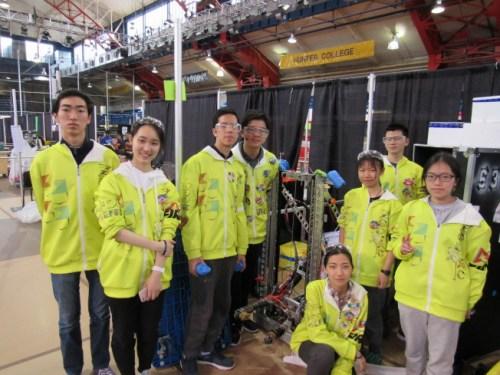 上海华师大附中的Zodiac队获得创意奖。(美国《世界日报》/颜嘉莹 摄)
