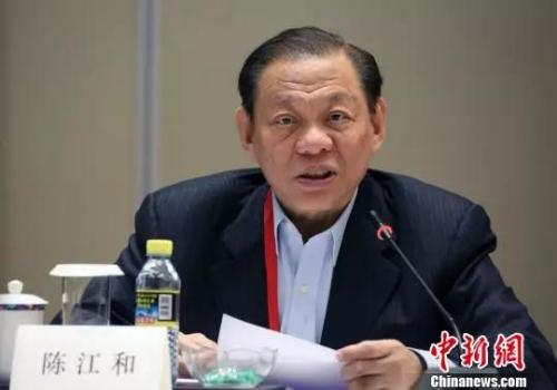 图为新加坡金鹰集团主席陈江和在发言中。 任海霞 摄