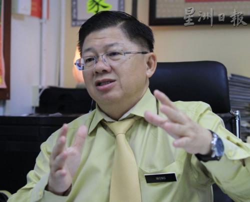 马来西亚全国校长职工会总会长王仕发:华小电脑班是加插在上课时间表内,以增加时间的方式上课,并没有挪用其他节数。(图:星洲日报)