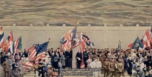 """巨幅壁画《战争万神殿》中,美军的形象是在1917年被临时加上的,而因此被""""牺牲掉""""的,正是中国劳工的部分。(图片来源:BBC视频截图)"""