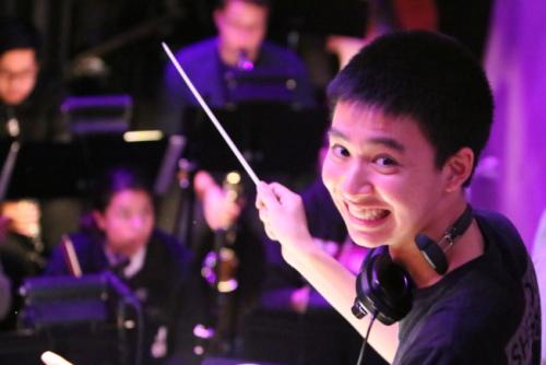 与众不同 美国华裔少年同获哈佛和斯坦福大学录取