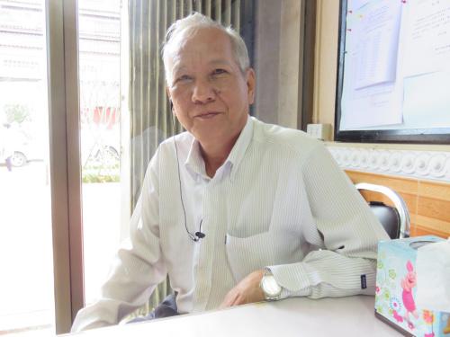 娶了老挝妻子的华人。