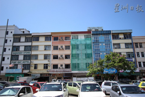 曾经是水屋区的甘榜亚逸,近年来已转型成酒店区,当地有不少酒店。(马来西亚《星洲日报》)