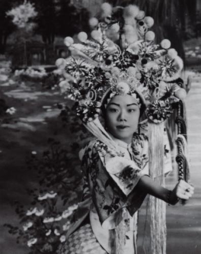 旧时中国戏曲扮相曾影响许多美国人。(美国《世界日报》/饶韵华供图)