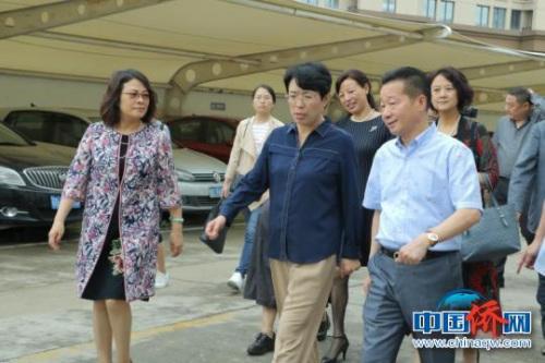 中国侨联一行调研浙江康尔达新材料股份有限公司。 郭其钰 摄