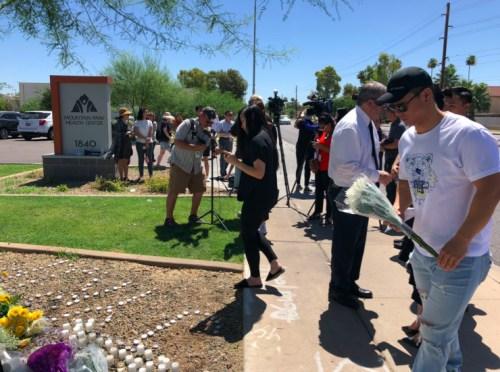 2018年6月11日亚利桑那州坦佩市,中国留学生江�h2016年1月16日被枪杀现场附近,家人及当地侨届为江�h举行了追思会。当地华人、留学生及全部主流媒体参与现场活动。(图片由杨文田提供)