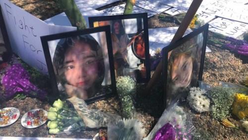 2018年6月11日亚利桑那州坦佩市,中国留学生江�h2016年1月16日被枪杀现场附近,家人及当地侨届为江�h举行了追思会。图为追思会现场。(图片由江�h表姐徐翔提供)