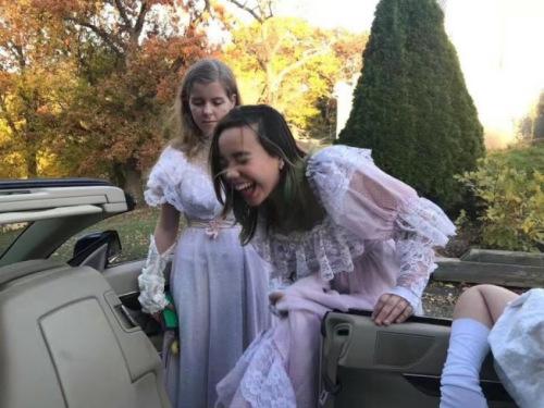 生病前的阿妮雅,与其他同龄小女孩一样,爱漂亮、爱笑。(张美琪提供)