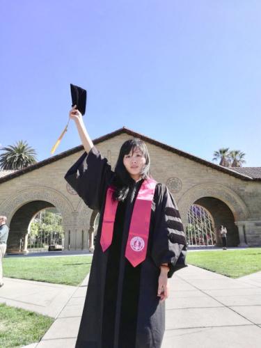 中国留学生张彦硕为自己所获得的博士学位感到骄傲和激动。(美国《世界日报》/张彦硕 供图)