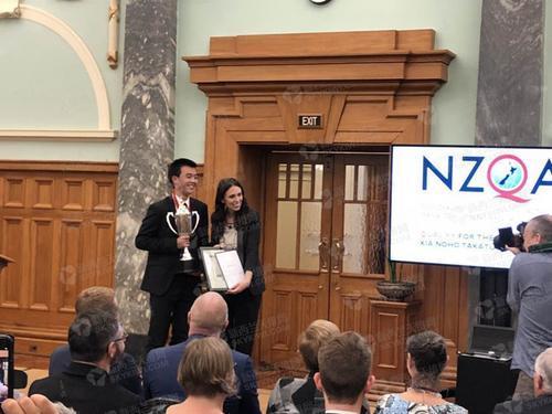 大奖获得者华裔学生Andrew Tang(新西兰天维网)